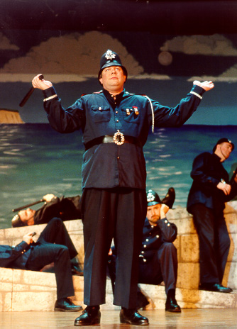 David in The Pirates of Penzance 2000 — 'The Sergeant of Police'