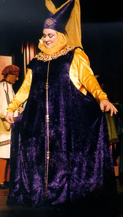 Pamela in The Sorcerer 1999 — 'Lady Sangazure'